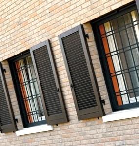 sicurezza finestre accessori chiusura sicurezza scuri e persiane tuttoferramenta