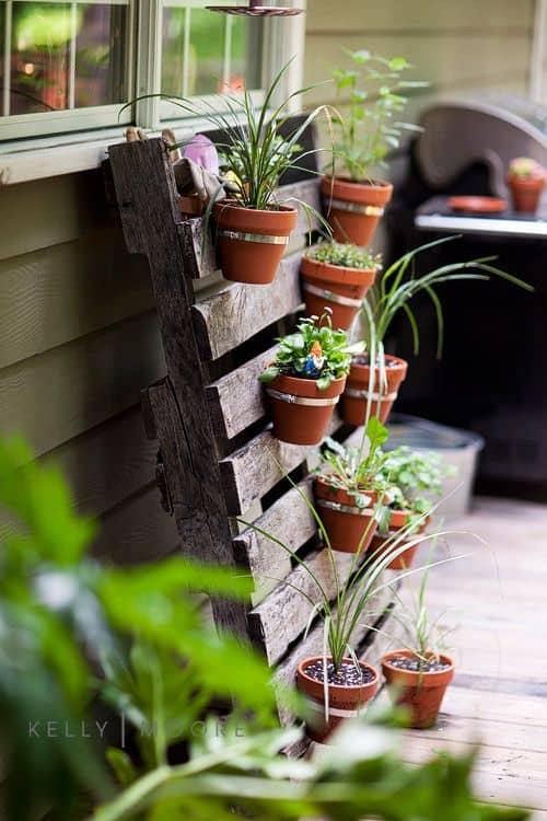 Pallet 10 idee creative fai da te per la casa for Idee per realizzare una fioriera