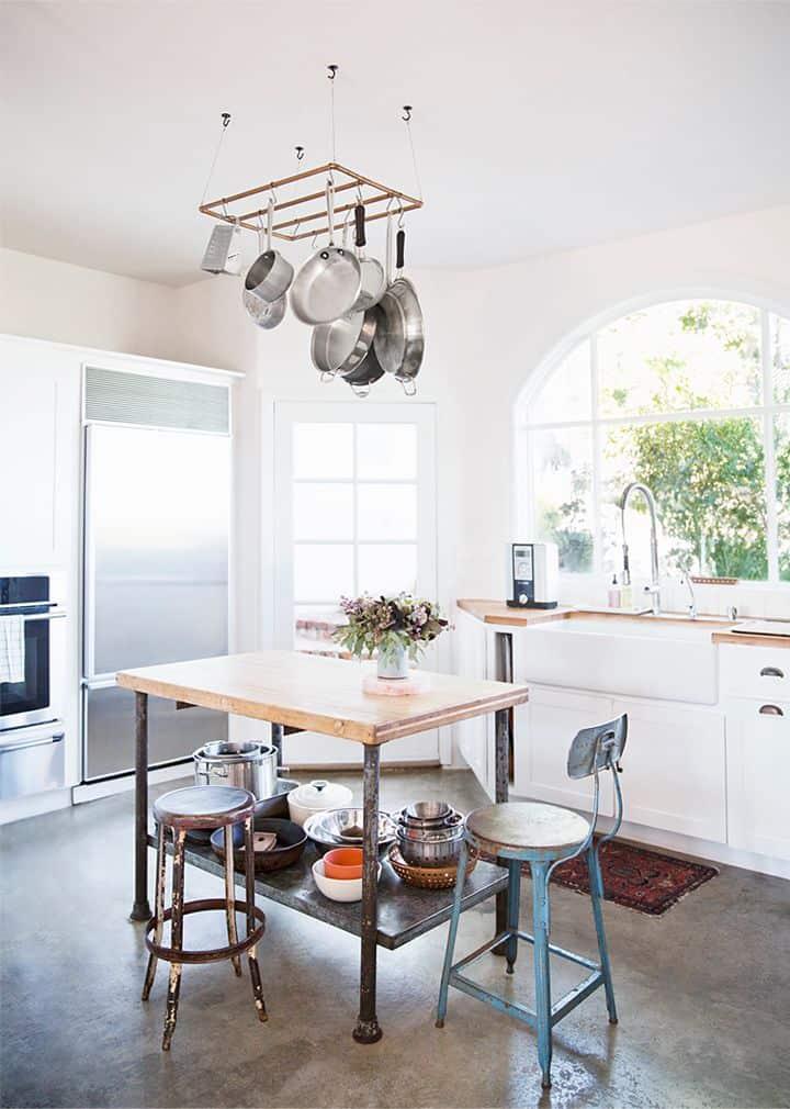 8 utili consigli per organizzare la tua cucina - Portapentole da soffitto ...