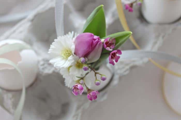 2 uova di pasqua diy decorazioni casa pasquali fiori
