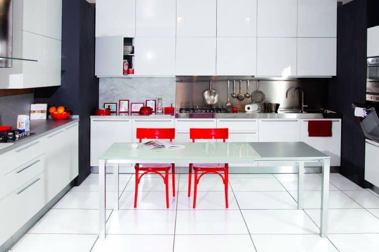 atim tavolo moderno e di design per cucina e zona living tavolo con piano in vetro