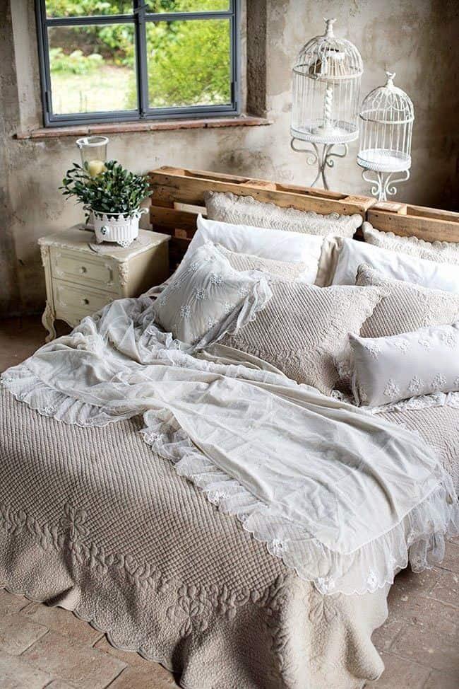 Pallet mania il letto fai da te di bancali che ti far sognare - Testiera letto fai da te in legno ...