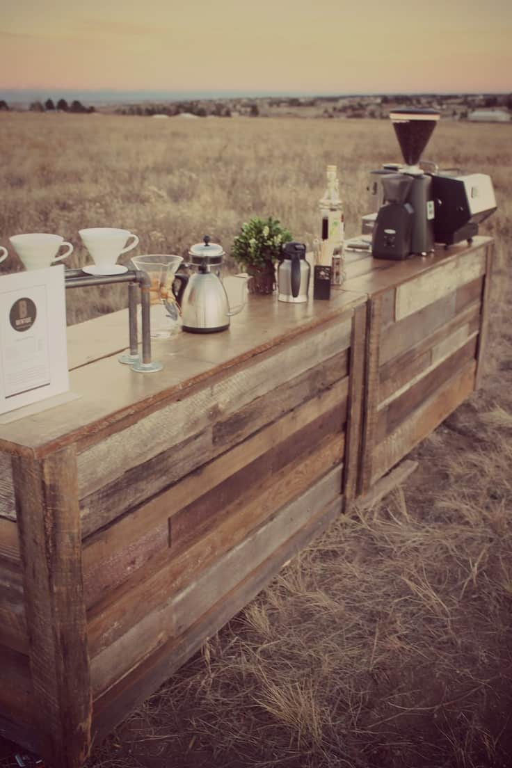 Country wedding idee per un matrimonio low cost con i pallet - Tavoli design low cost ...