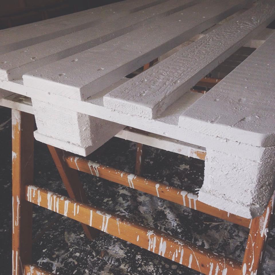 Bancali di legno per arredare xm73 regardsdefemmes - Divano in legno fai da te ...