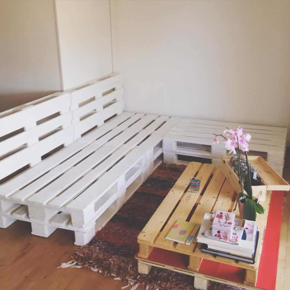 Mini makeovers tutorial per un divano con i pallet for Idee arredo