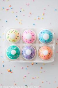 Uova di Pasqua Colorate DONUTS