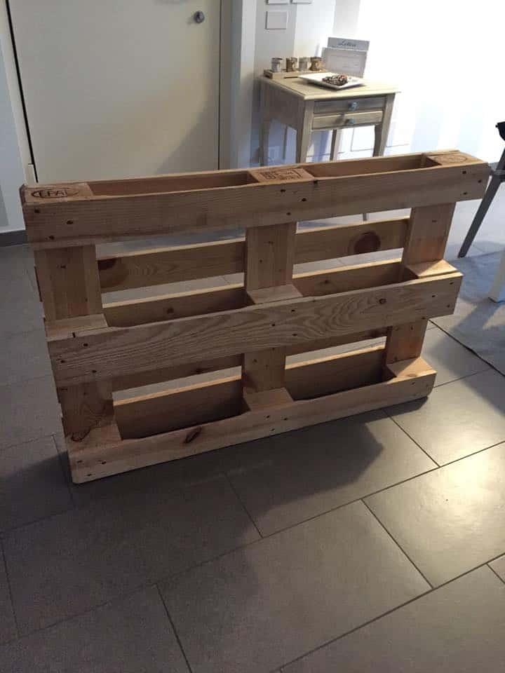 Passione fai da te realizzare tavolino shabby chic for Bancali legno per arredare