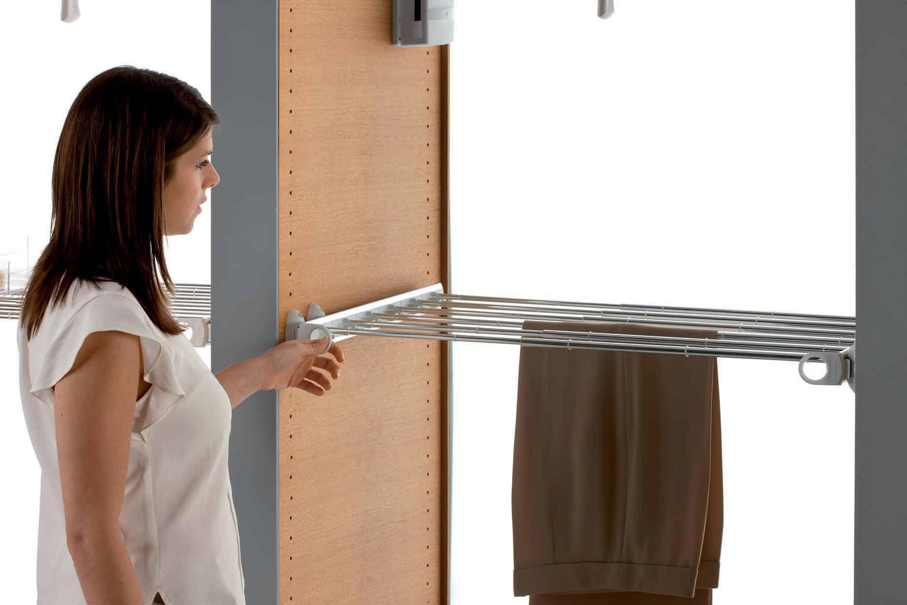 Porta pantaloni estraibile per cabina armadio resistente Servetto quanlità made in italy tuttoferramenta.