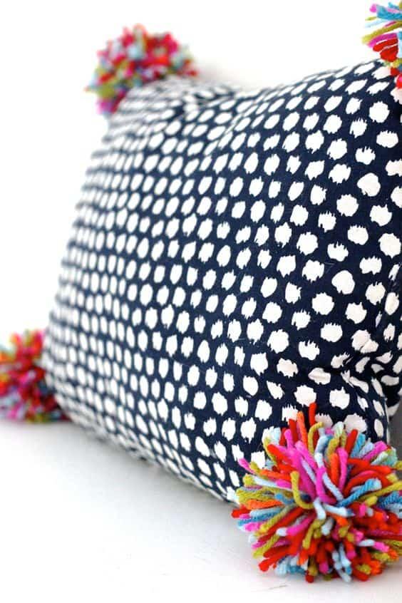 Pon pon multicolore per cuscini