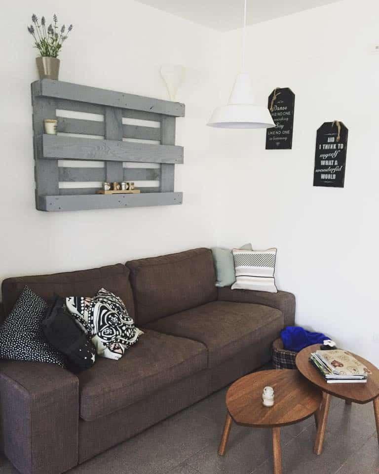 Costruire Mensole Per Libreria A Muro.Pallet Libreia Fai Da Te Decorare Una Parete Con Bancale