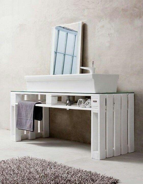 Ristrutturare il bagno con stile arredobagno online for Bancali legno per arredare