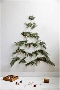 albero-di-natale-a-prova-di-gatto-con-rami-di-abete
