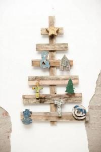 albero-di-natale-a-prova-di-gatto-in-legno
