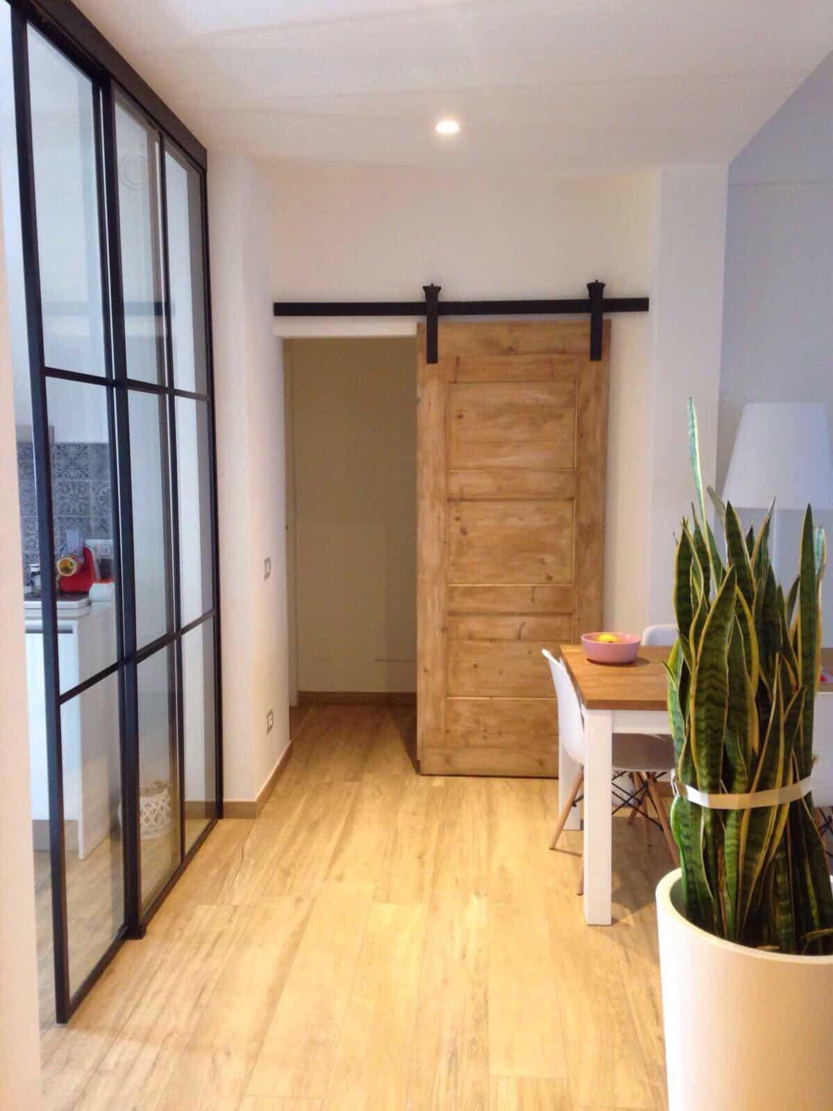 Porta Scorrevole Con Binario Esterno appartamento industriale con porta scorrevole esterno muro