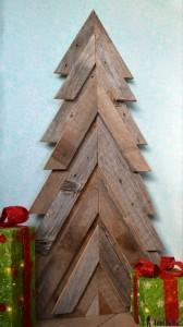 albero legno intagliato
