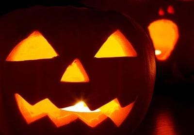 CLASSIC ZUCCHE  Tradizionale festa delle zucche. Colora la tua abitazione di arancione ed aggiungi i classici gadget di Halloween come candele, lanterne e travestimenti a forma di zucca!