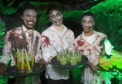 ZOMBIE  Invita i tuoi amici a travestirsi in tema zombie e decora la tua abitazione allo stesso modo!