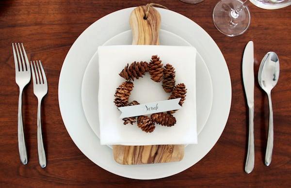 Questo particolare segnaposto personalizzato farà sentire ancora più speciali i tuoi ospiti a cena. Provalo per questo Natale!